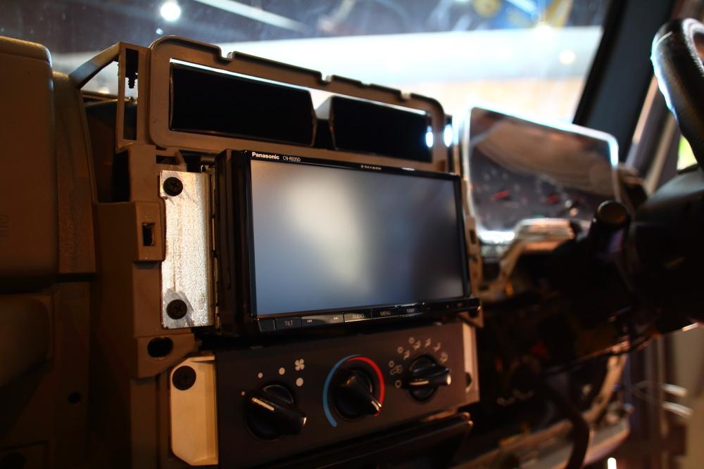 ライトカーキTJ ご納車に向けて仕上げ作業再開です_f0105425_19185584.jpg