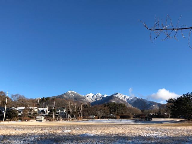 うっすらと雪の朝_f0019247_11541178.jpg