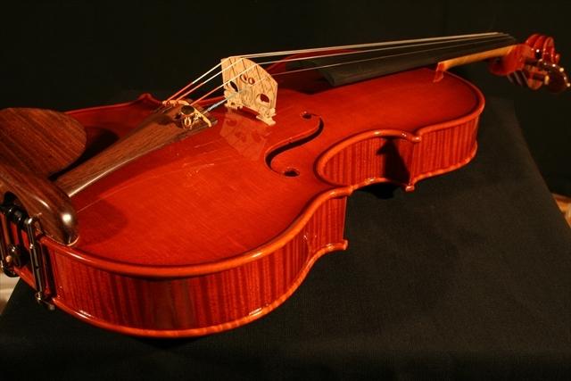"""2007年 ヴァイオリン ガリンベルティ・モデル """"1970""""_a0197551_08060050.jpg"""