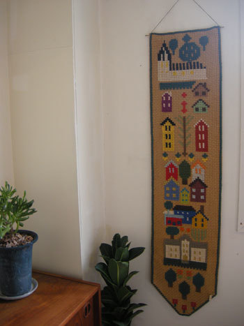 刺繍壁掛け / DENMARK_c0139773_13262399.jpg