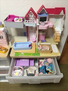 7歳と8歳の女の子の おもちゃのおかたづけ♪_a0239890_16454023.jpg