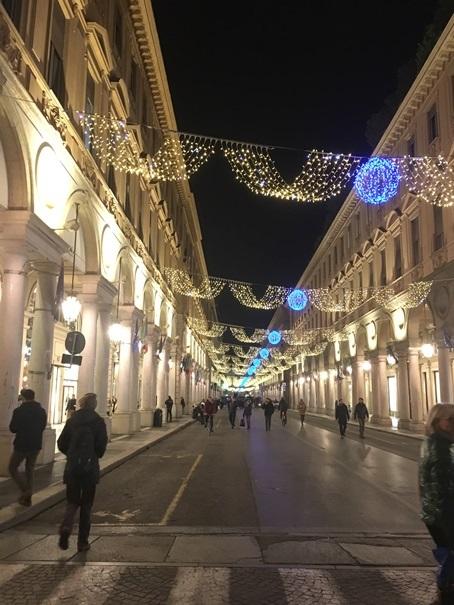 教室ツアーin Piemonte6日目③トリノの街でアペリティーボ_d0041729_11285073.jpg