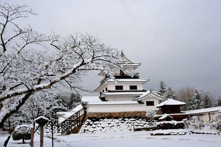 お城と雪_b0223668_07331972.jpg