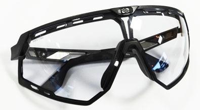 RUDYPROJECT(ルディープロジェクト)新素材GRAPHENE COMPOUND(グラフェン コンパウンド)採用スポーツサングラス発売開始!_c0003493_09200962.jpg