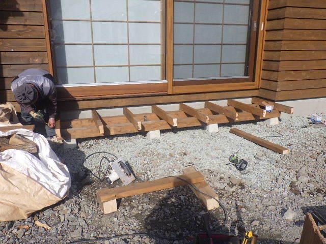 岩泉の家 外構工事が進行中です。_f0105112_04242701.jpg