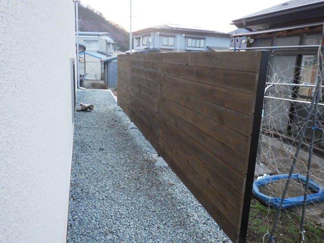 岩泉の家 外構工事が進行中です。_f0105112_04331954.jpg
