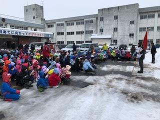 避難訓練(冬季・地震)_d0382316_14425610.jpg