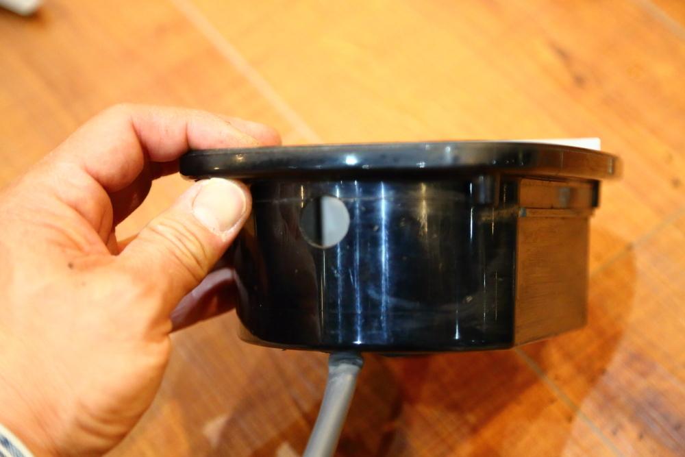 レガシィへバックカメラ取り付けからライトカーキTJ仕上げ作業_f0105425_20013254.jpg