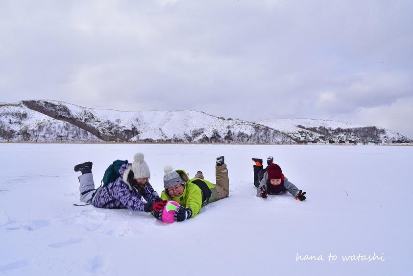 久種湖の上でアイスクリームづくり。_e0120026_08501562.jpg