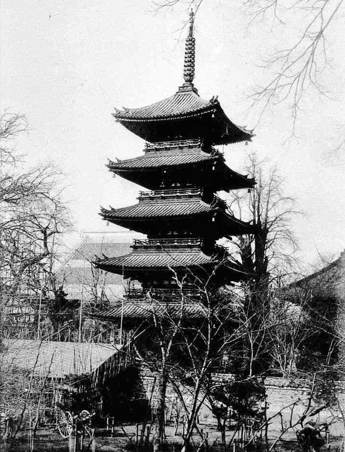 浅草寺の五重塔_a0277742_20001677.jpg