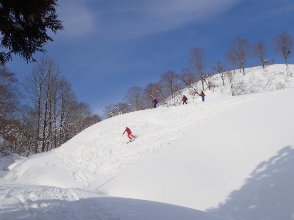 山スキーシーズン開幕_b0133032_23375222.jpg