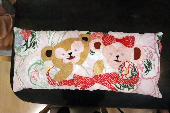 刺繍 ~ ダッフィー & シェリーメイ刺繍抱き枕 ~_e0222340_15141624.jpg