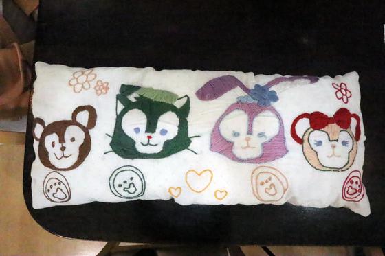 刺繍 ~ ダッフィー & シェリーメイ刺繍抱き枕 ~_e0222340_15142612.jpg