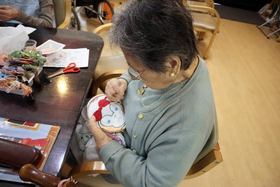刺繍 ~ ダッフィー & シェリーメイ刺繍抱き枕 ~_e0222340_1592291.jpg