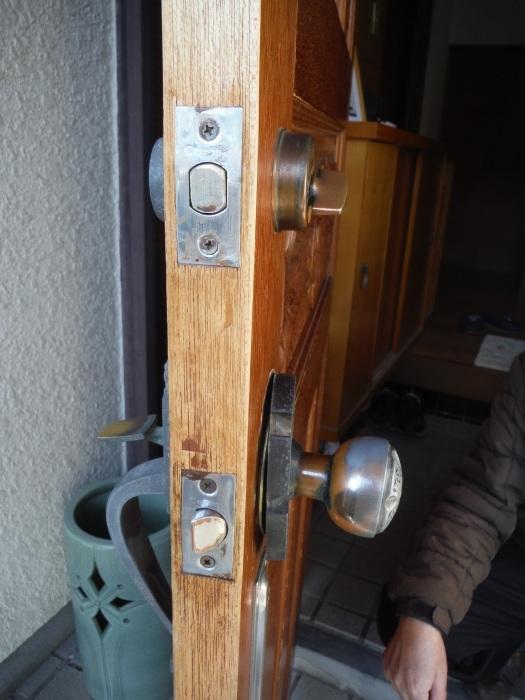 小工事 ~ 玄関ドア錠の取替_d0165368_07332059.jpg