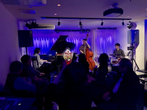 Jazzlive comin 広島  本日のライブ_b0115606_12373813.jpeg