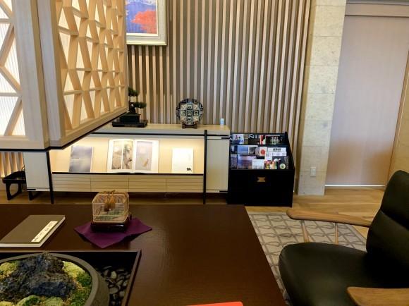 レクサス郡山店さんのマガジンラック・羽子板飾り台を製作させていただきました!!_d0250833_08531545.jpg