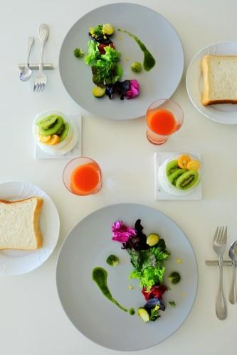 ジェノヴェーゼソース、イタリア野菜とともに_b0145846_20244172.jpg