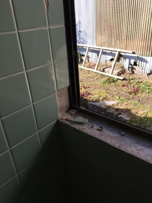 お風呂場その1。総タイル張りのお風呂場です。_f0182246_21483144.jpg