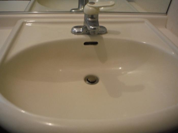 小工事 ~ 化粧洗面台の水栓取替え_d0165368_05294162.jpg