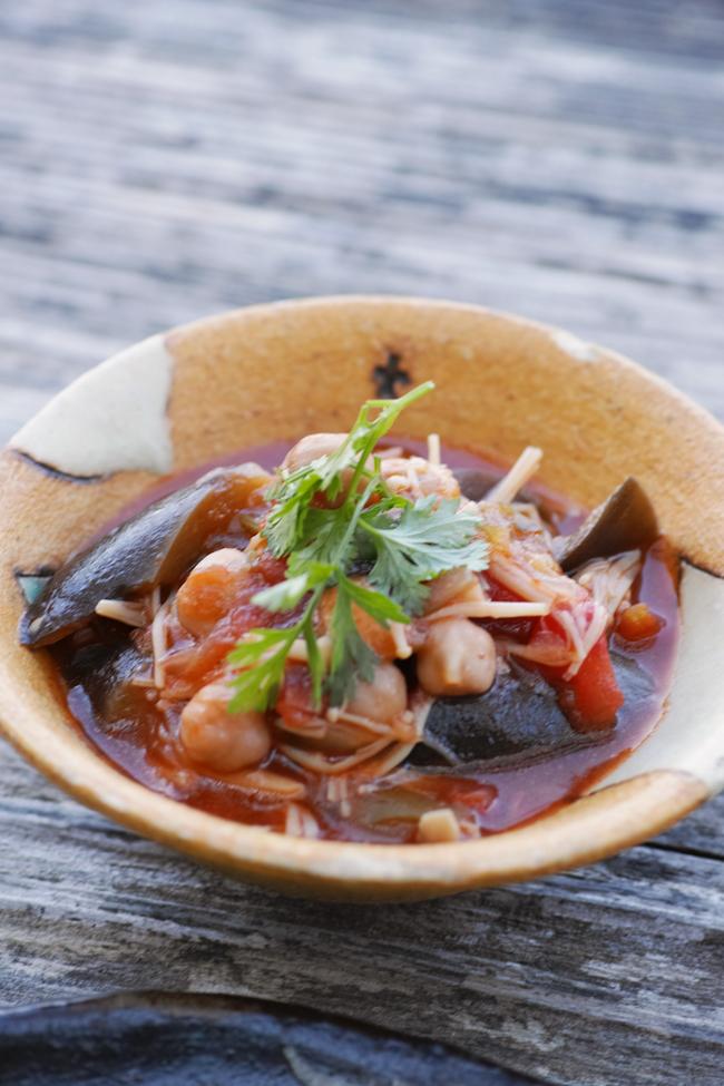 絶景カフェこくう 今帰仁の丘で食べる野菜のプレート_b0049152_18201422.jpg