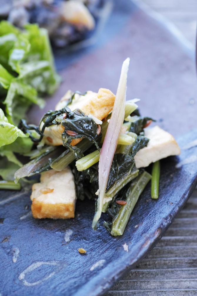 絶景カフェこくう 今帰仁の丘で食べる野菜のプレート_b0049152_18201468.jpg
