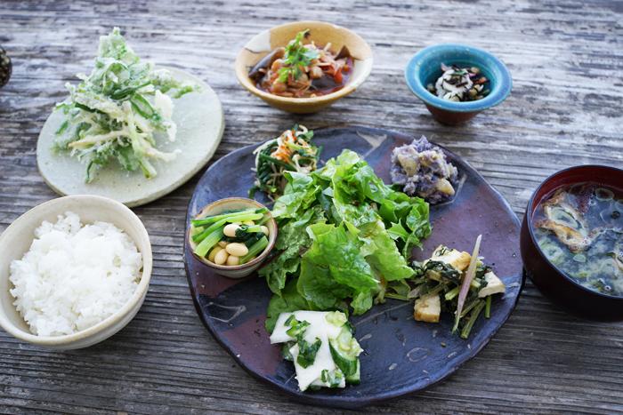 絶景カフェこくう 今帰仁の丘で食べる野菜のプレート_b0049152_18201522.jpg