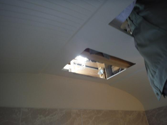 小工事 ~浴室の換気扇を暖房機へ取替え取付_d0165368_05080654.jpg