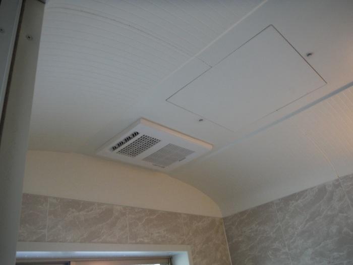 小工事 ~浴室の換気扇を暖房機へ取替え取付_d0165368_05084676.jpg