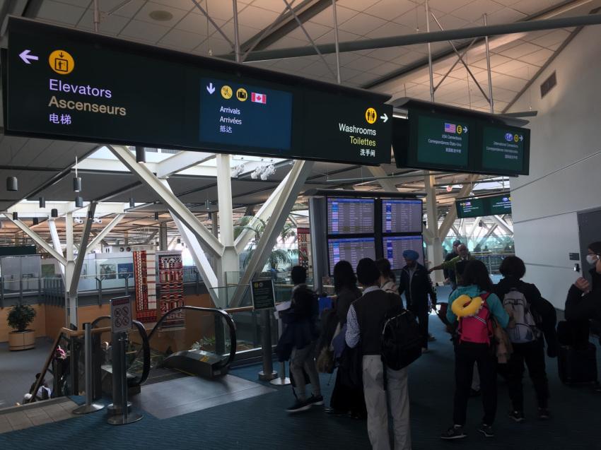 新しくなった バンクーバー空港の国内線乗り継ぎ方法。( 2019年1月現在 )_d0112928_09590081.jpg