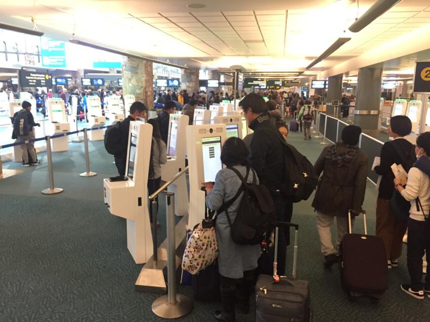 新しくなった バンクーバー空港の国内線乗り継ぎ方法。( 2019年1月現在 )_d0112928_10081805.jpg
