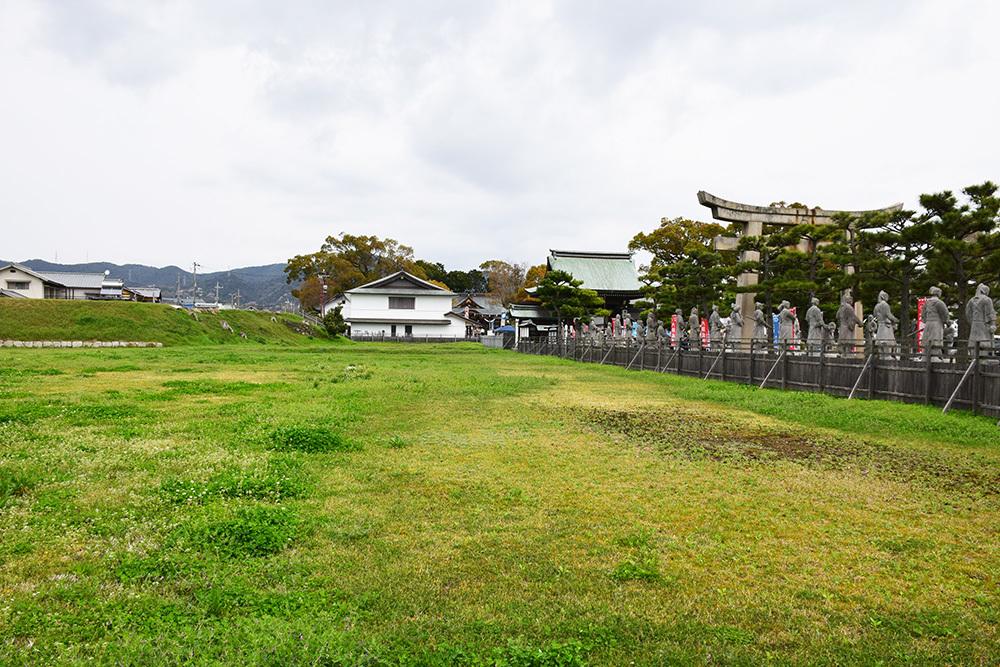 桜満開の赤穂城を歩く。 その1 「大手門~武家屋敷跡」_e0158128_15155543.jpg