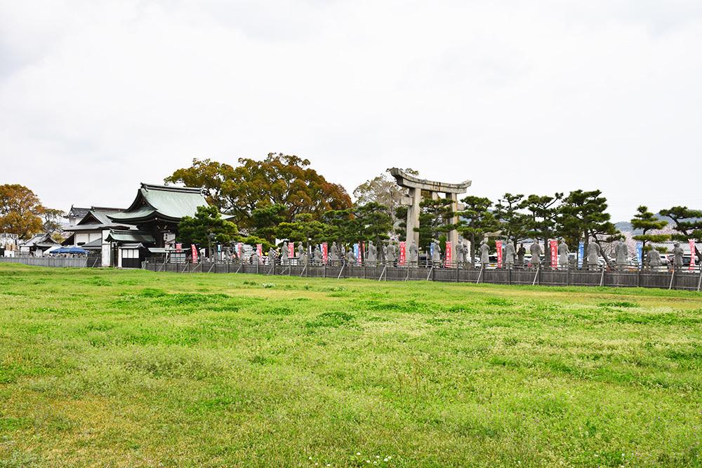 桜満開の赤穂城を歩く。 その1 「大手門~武家屋敷跡」_e0158128_15180145.jpg