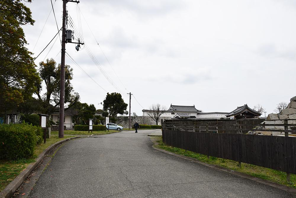 桜満開の赤穂城を歩く。 その2 「二ノ丸庭園」_e0158128_15543222.jpg