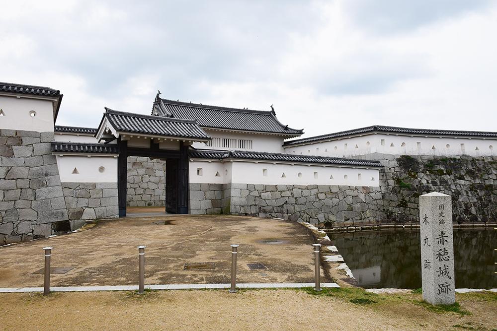 桜満開の赤穂城を歩く。 その3 「本丸」_e0158128_16242592.jpg