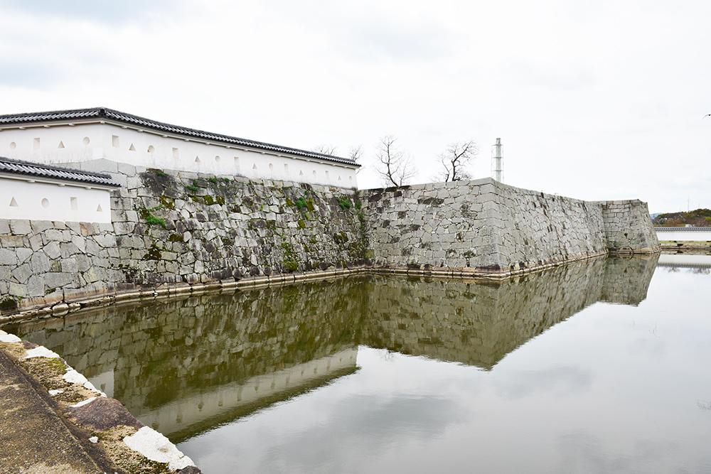 桜満開の赤穂城を歩く。 その3 「本丸」_e0158128_16321761.jpg