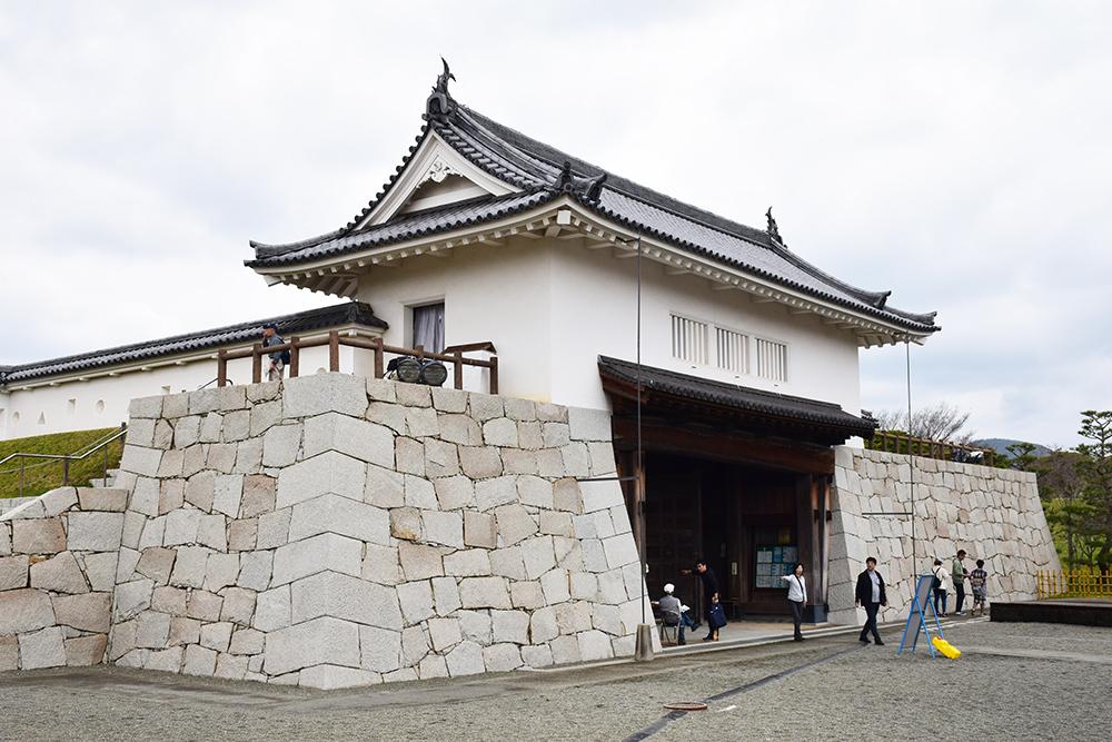 桜満開の赤穂城を歩く。 その3 「本丸」_e0158128_16385458.jpg