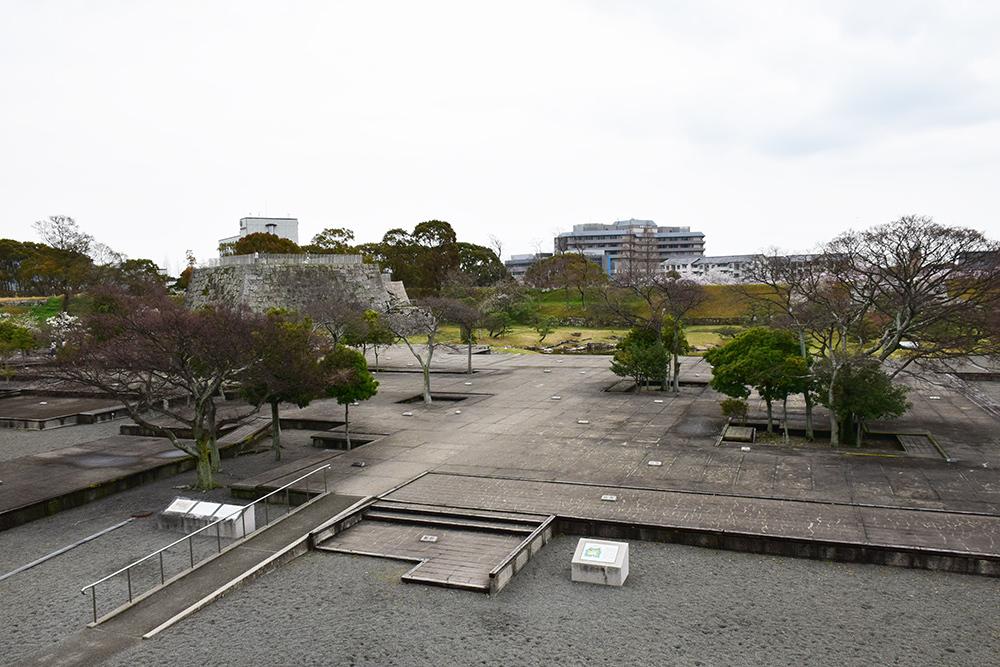 桜満開の赤穂城を歩く。 その3 「本丸」_e0158128_16465036.jpg