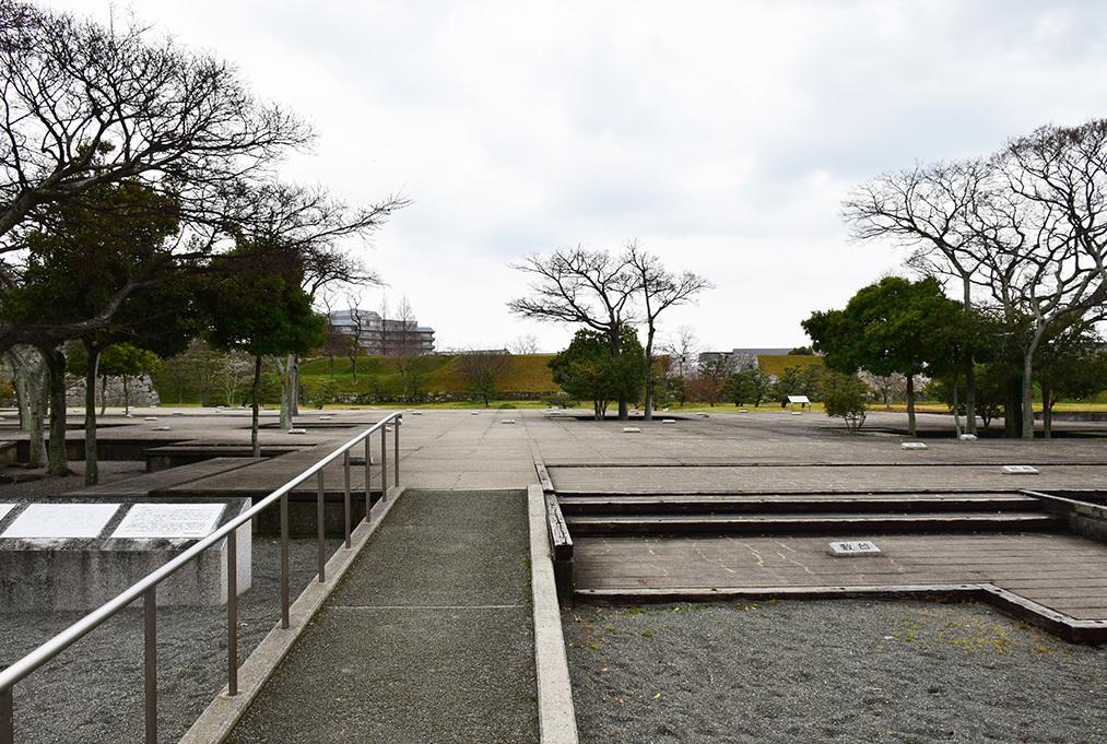 桜満開の赤穂城を歩く。 その3 「本丸」_e0158128_16490069.jpg