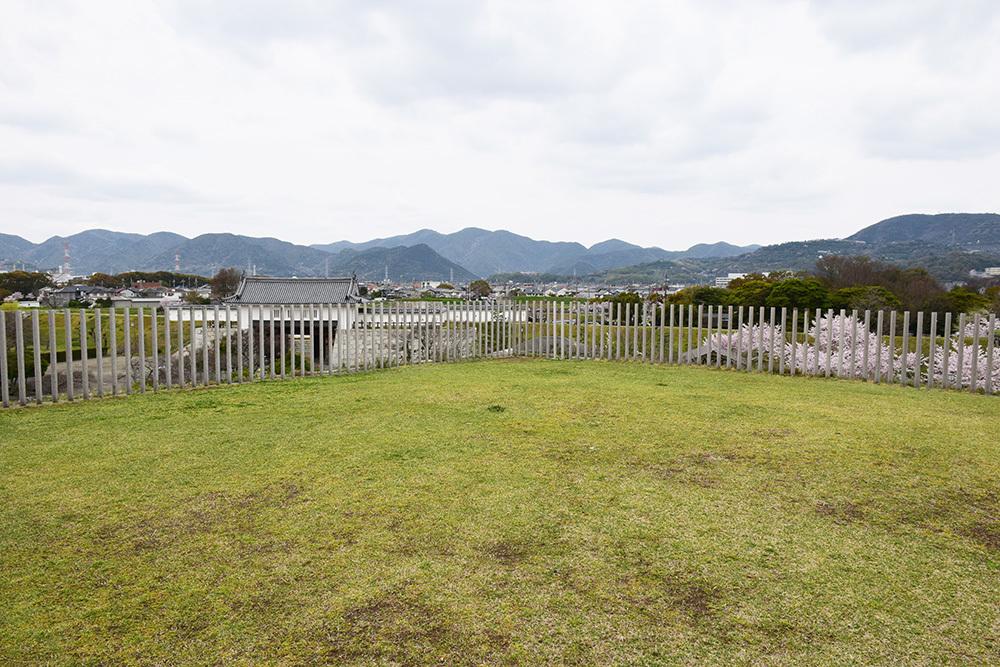 桜満開の赤穂城を歩く。 その3 「本丸」_e0158128_17142163.jpg
