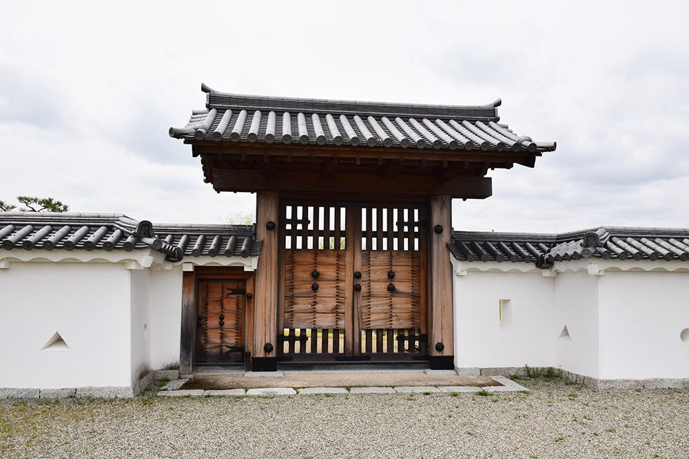 桜満開の赤穂城を歩く。 その4 「元禄桜苑」_e0158128_18185536.jpg