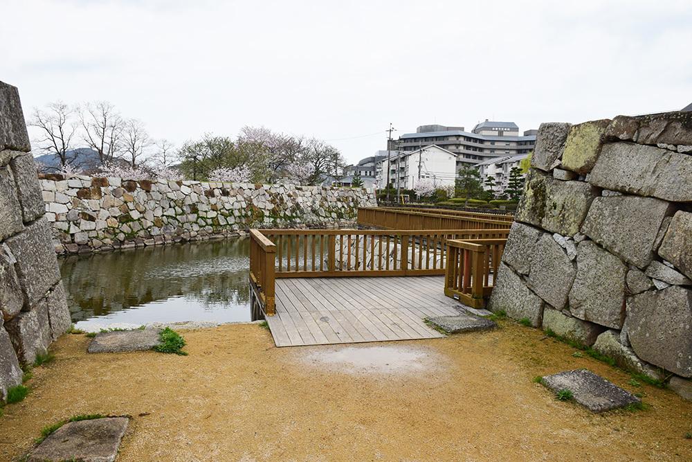 桜満開の赤穂城を歩く。 その5 「水手門、塩屋門」_e0158128_18390746.jpg