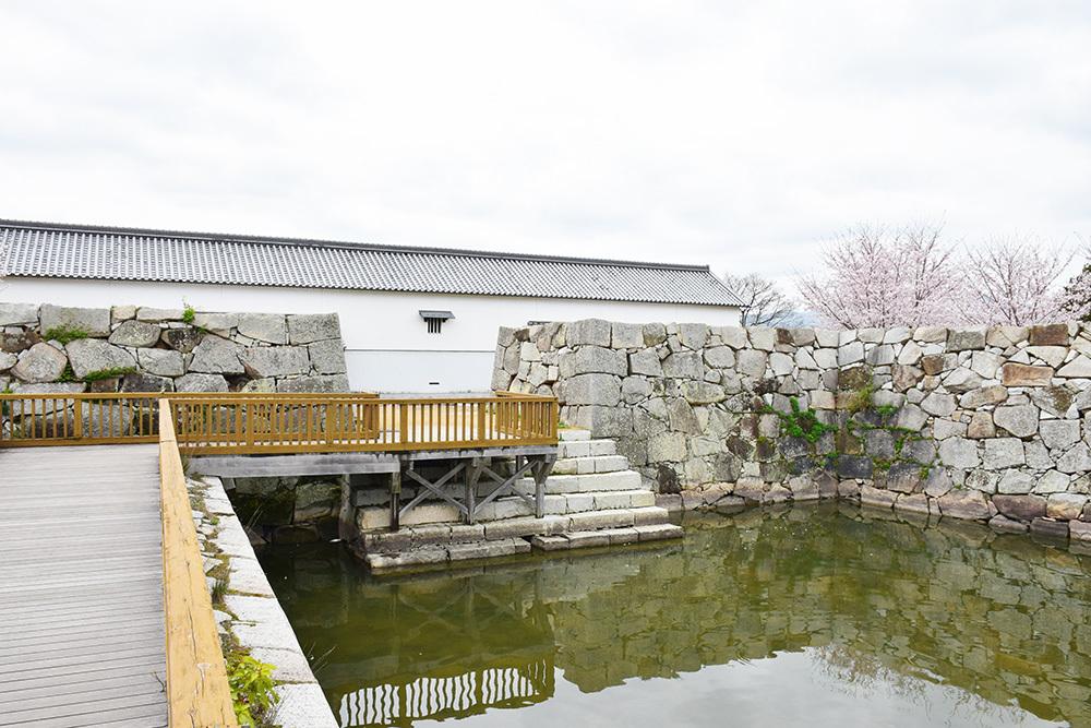 桜満開の赤穂城を歩く。 その5 「水手門、塩屋門」_e0158128_18410128.jpg