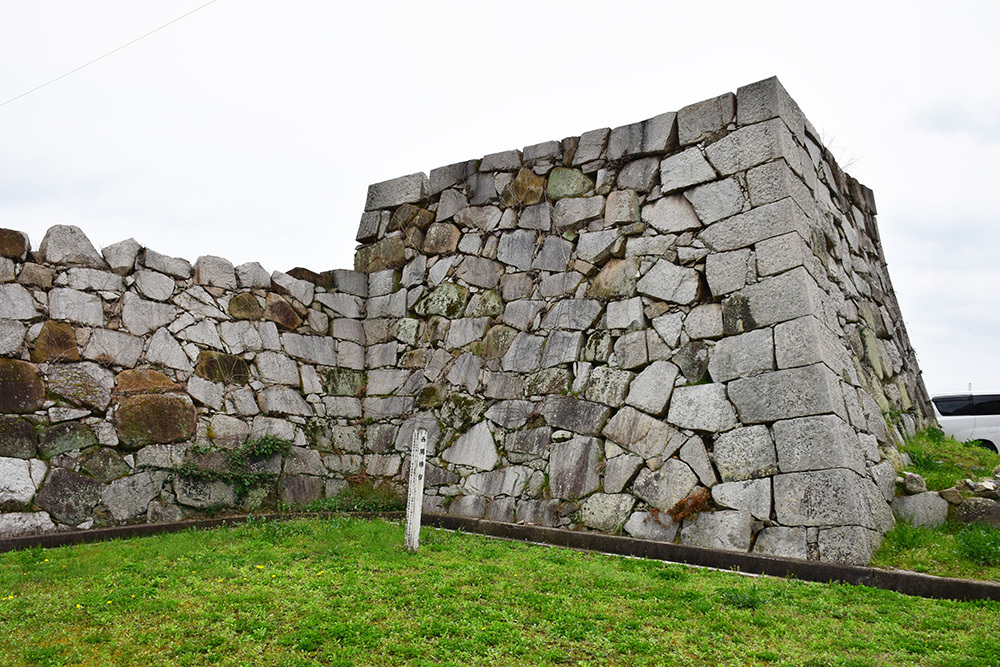 桜満開の赤穂城を歩く。 その5 「水手門、塩屋門」_e0158128_19032279.jpg