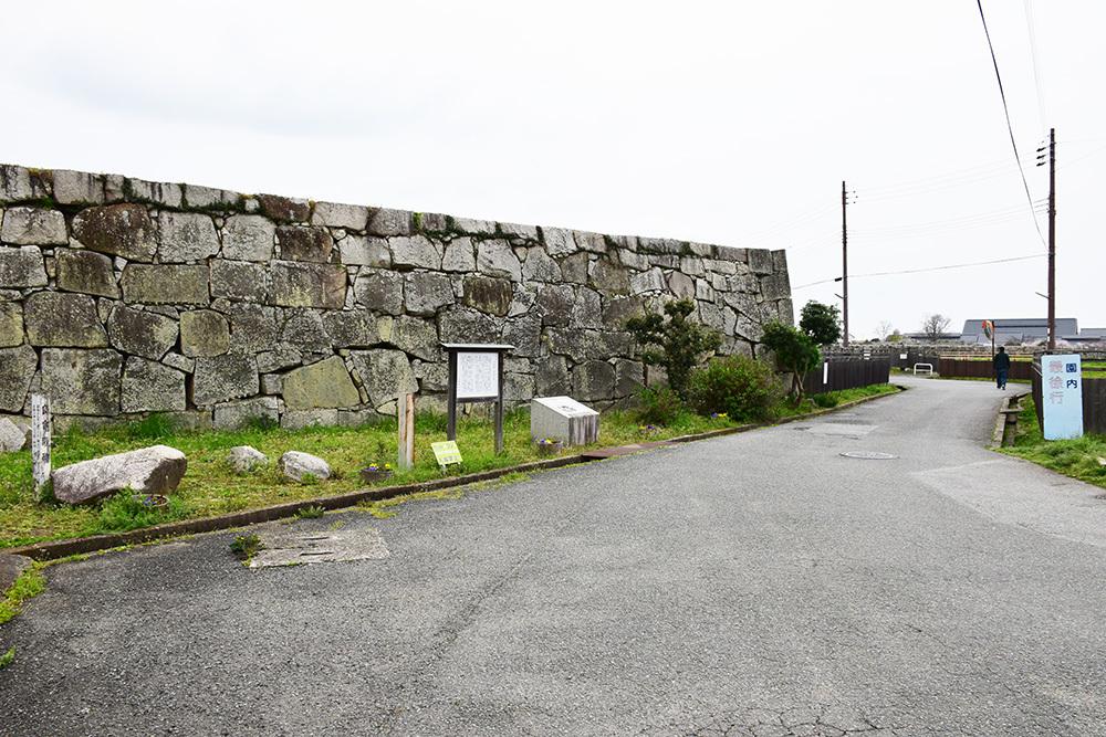 桜満開の赤穂城を歩く。 その5 「水手門、塩屋門」_e0158128_19084032.jpg