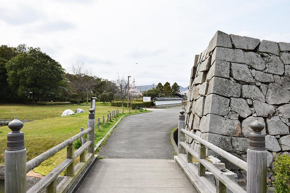 桜満開の赤穂城を歩く。 その5 「水手門、塩屋門」_e0158128_19230554.jpg