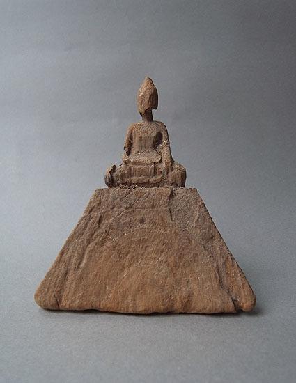 ピラミッドのような_e0111789_11202023.jpg