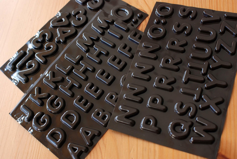 チョコレートの文字_e0175918_16152843.jpg