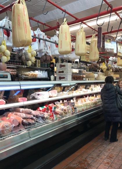 週末のお買物は、イタリアンマーケットで_d0269832_23133282.jpeg