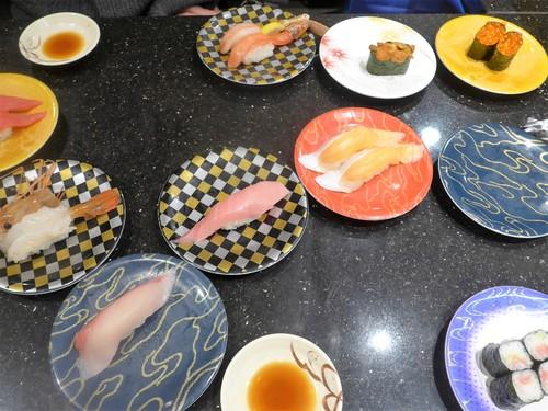 札幌・新千歳空港「グルメ回転寿司函太郎」へ行く。_f0232060_19311984.jpg